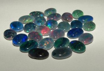 Edelstein Opal Triplette