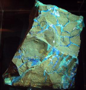 Edelstein Opal