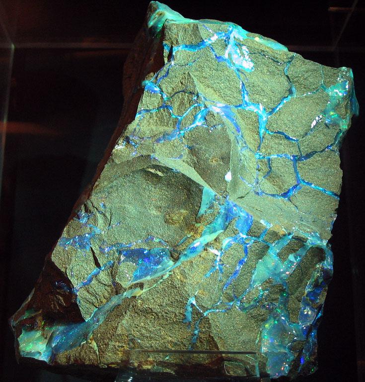 Rohstein Opal